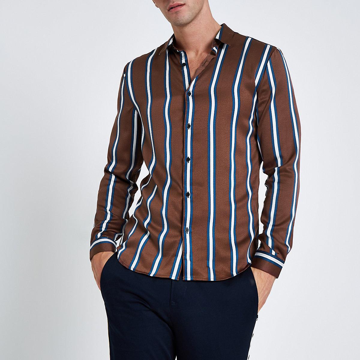 Braunes, gestreiftes Langarmhemd aus Satin