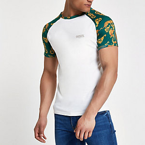 White raglan muscle fit T-shirt
