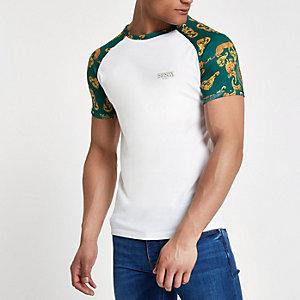 T-shirt ajusté blanc à manches raglan