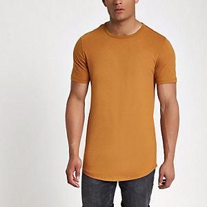 Braunes Muscle Fit T-Shirt mit Rundhalsausschnitt