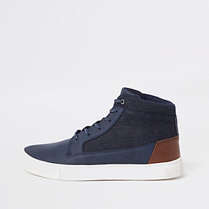 Marineblauwe hoge sneakers met brede pasvorm