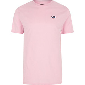 Pink swallow embroidered slim fit T-shirt