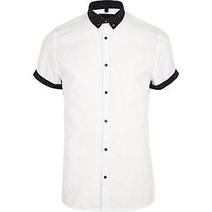 Wit slim-fit overhemd met dubbele kraag