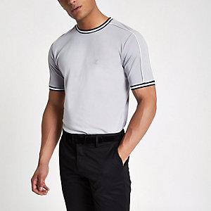 Hellgraues Slim Fit T-Shirt mit Zierstreifen