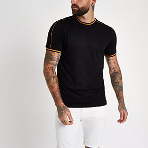 Zwart slim-fit T-shirt met randje