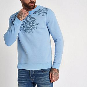 Hellblaues, besticktes Sweatshirt