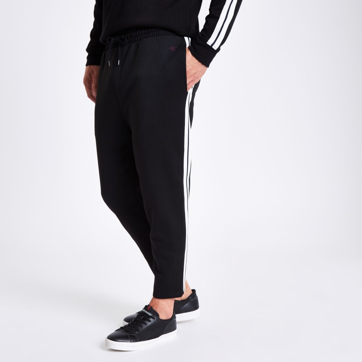 Black tape side slim fit joggers