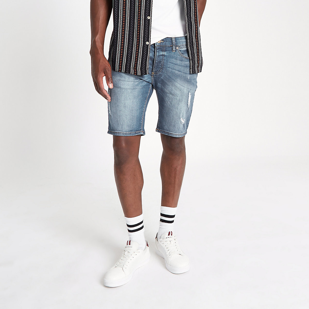 Sid ‒ Skinny Fit Jeansshorts im Used-Look