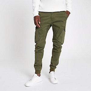 Pantalon cargo fuselé kaki