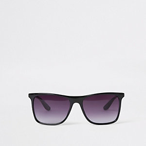 Black retro plastic frame sunglasses