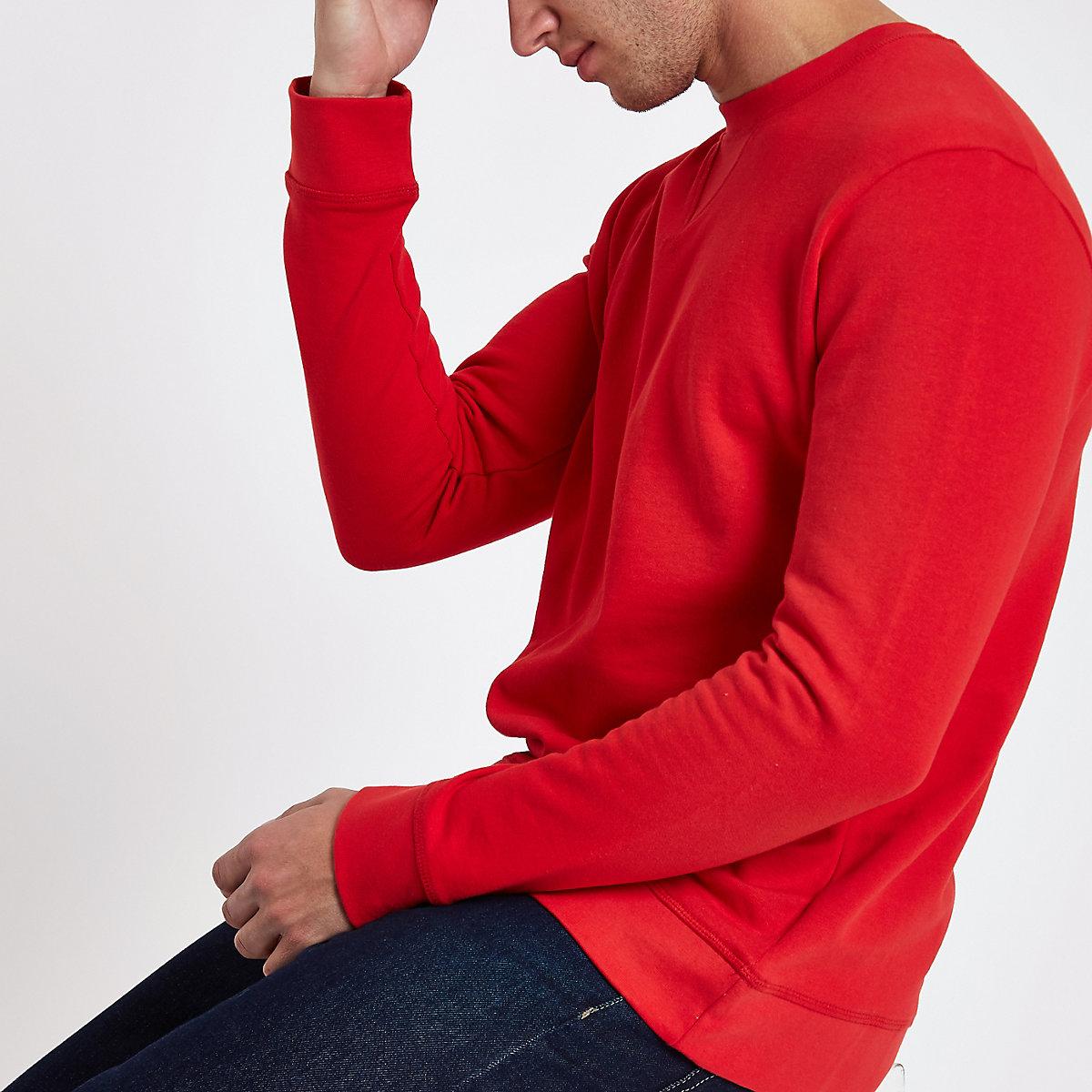 Minimum red sweater