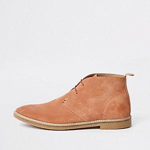 Roze suède desert boots met oogjes