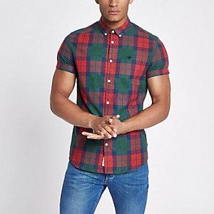 Chemise à carreaux rouge avec guêpe brodée