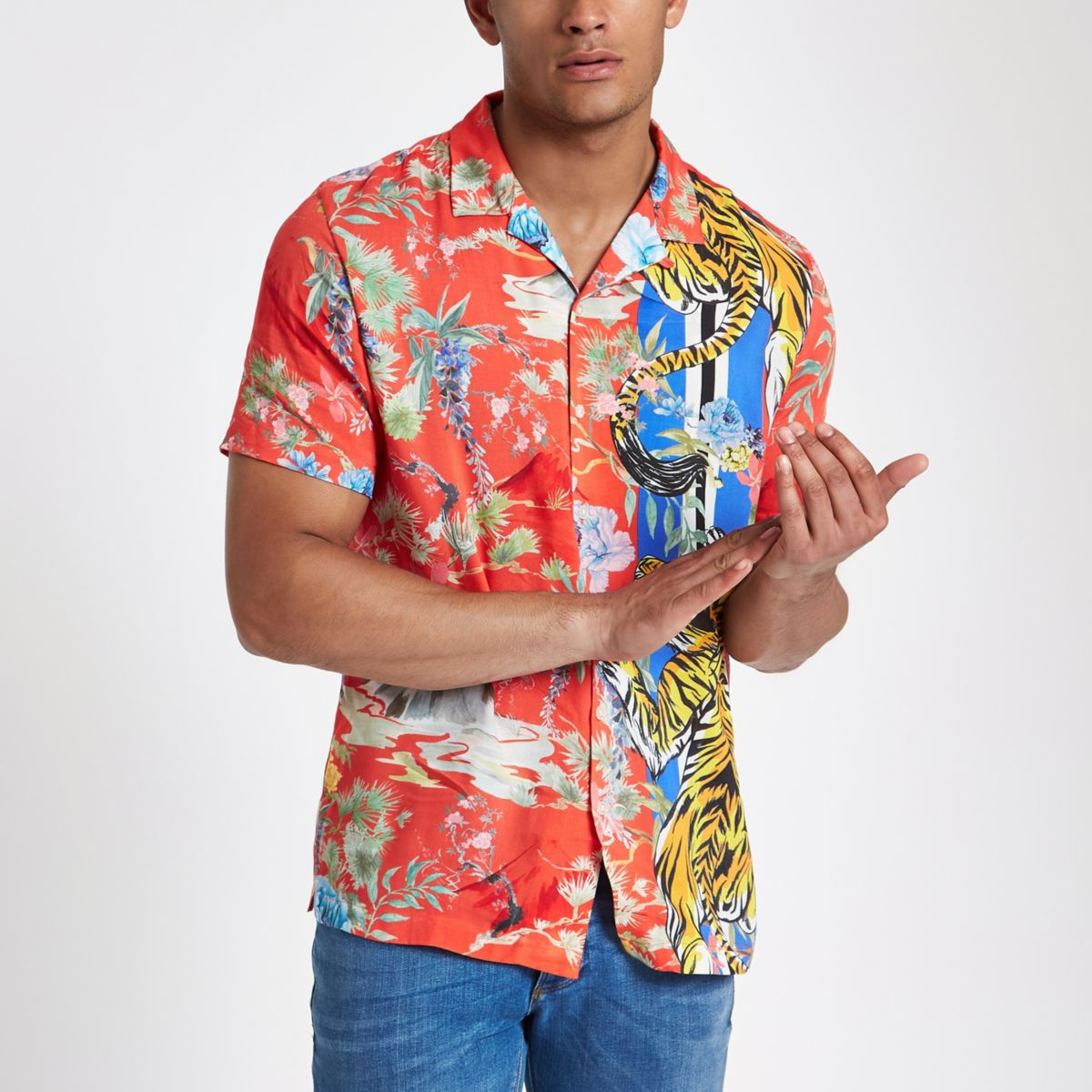 Red tiger print revere shirt