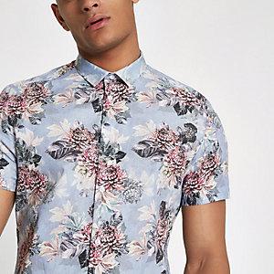 Chemise bleu clair à fleurs