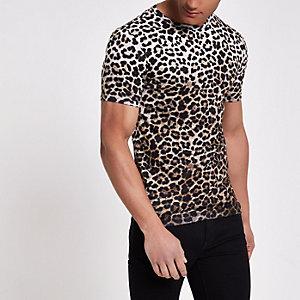 Bruin slim-fit T-shirt met luipaardprint