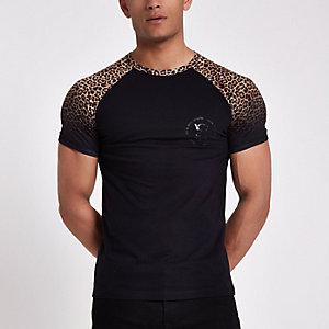 Black leopard print muscle fit raglan T-shirt