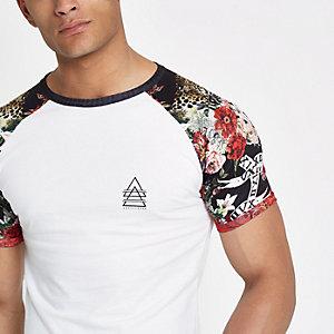 Wit aansluitend T-shirt met raglanmouwen en luipaardprint