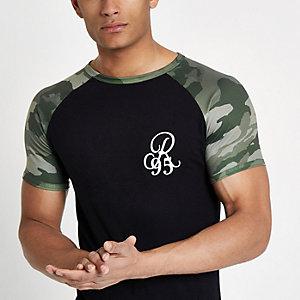 T-shirt noir « R95 » à coupe ajustée, manches raglan et imprimé camouflage