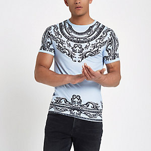 Blue chain print muscle fit T-shirt