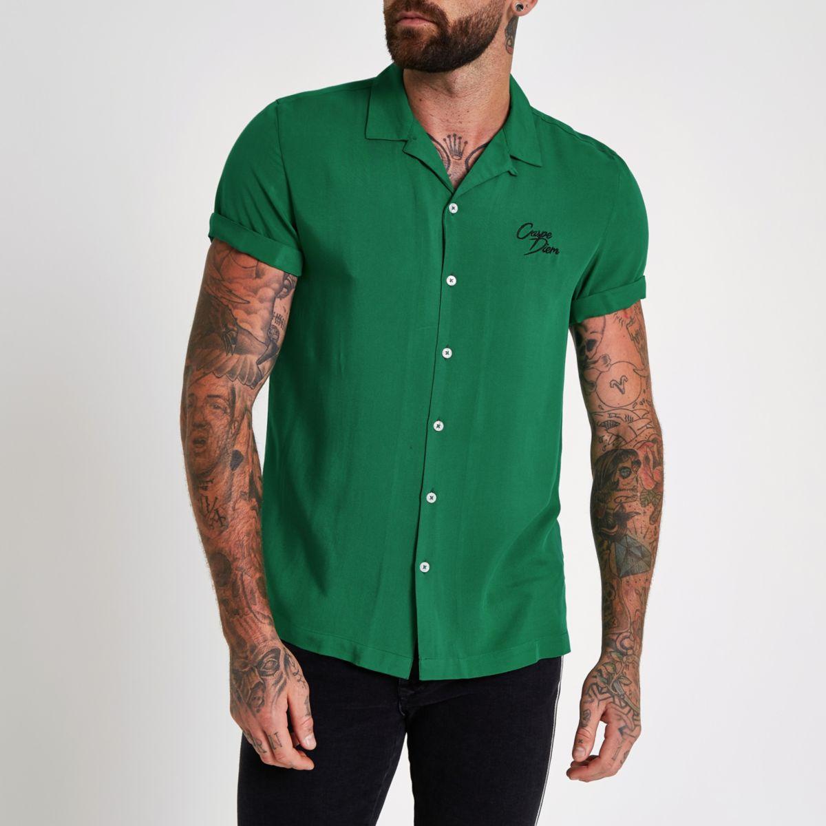 Green 'carpe diem' embroidered shirt