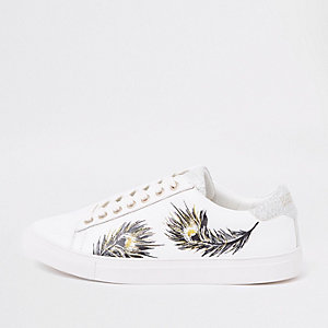 White feather print low top cupsole sneakers