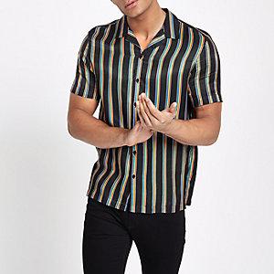 Chemise Pride imprimé arc-en-ciel noir avec col à revers