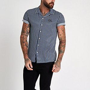 Blauw gestreept geborduurd overhemd met 'carpe diem'-print
