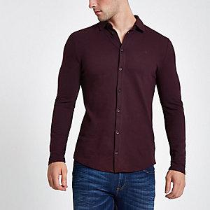 Chemise ajustée en piqué rouge foncé à manches longues