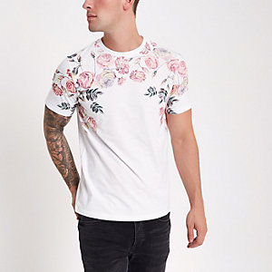 White rose shoulder print T-shirt