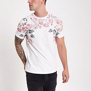 T-shirt blanc à imprimé rose aux épaules