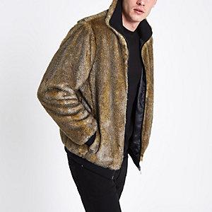 Veste marron zippée avec fausse fourrure sur le devant