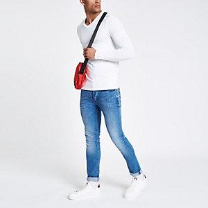 Wit aansluitend T-shirt met V-hals