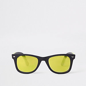 Black yellow mirror lens retro sunglasses