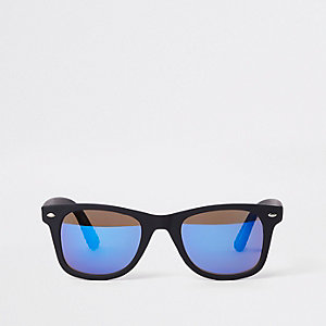 Zwarte retro zonnebril met blauwe spiegelglazen