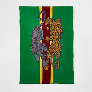 Grüner Schal mit Leoprint