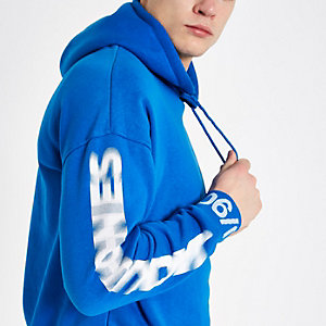 Jack & Jones Core – Sweat à capuche bleu imprimé aux manches