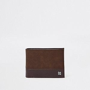 Donkerbruine geperforeerde portemonnee