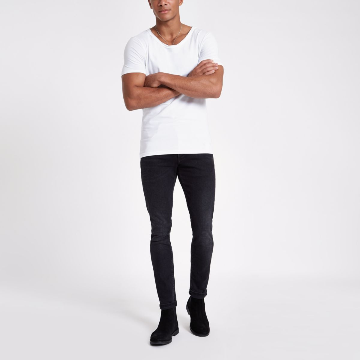 White scoop neck muscle fit T-shirt