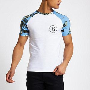 Blue muscle fit baroque print raglan T-shirt