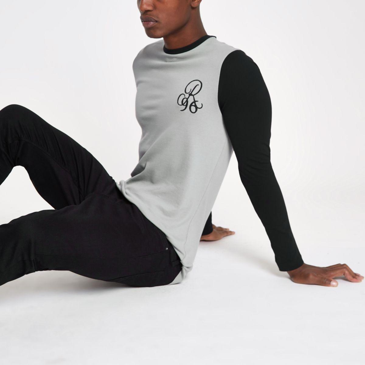 Grey muscle raglan sleeve top