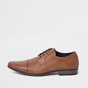 Brown embossed toecap lace-up shoes
