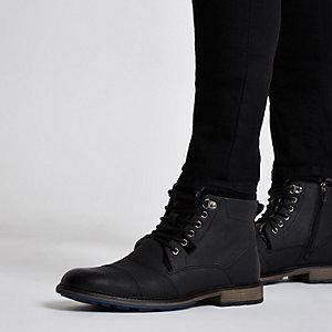 Schwarze Military Stiefel zum Schnüren