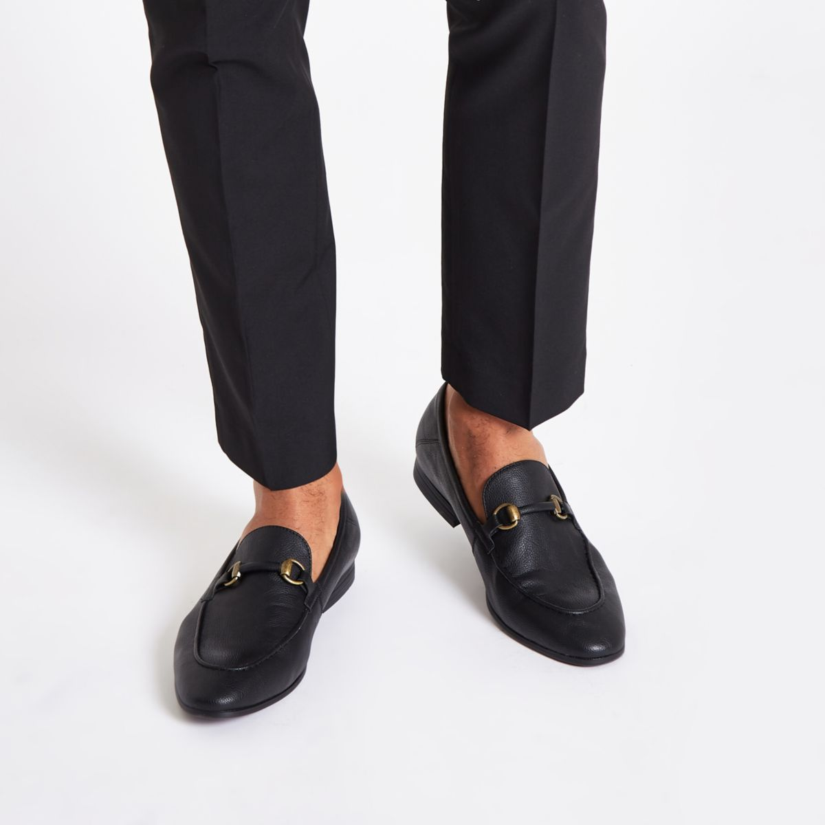 Black snaffle loafers
