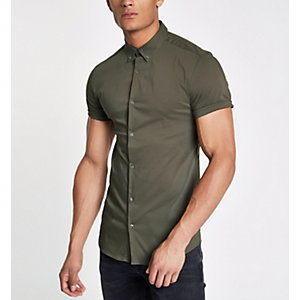 Green poplin muscle fit short sleeve shirt