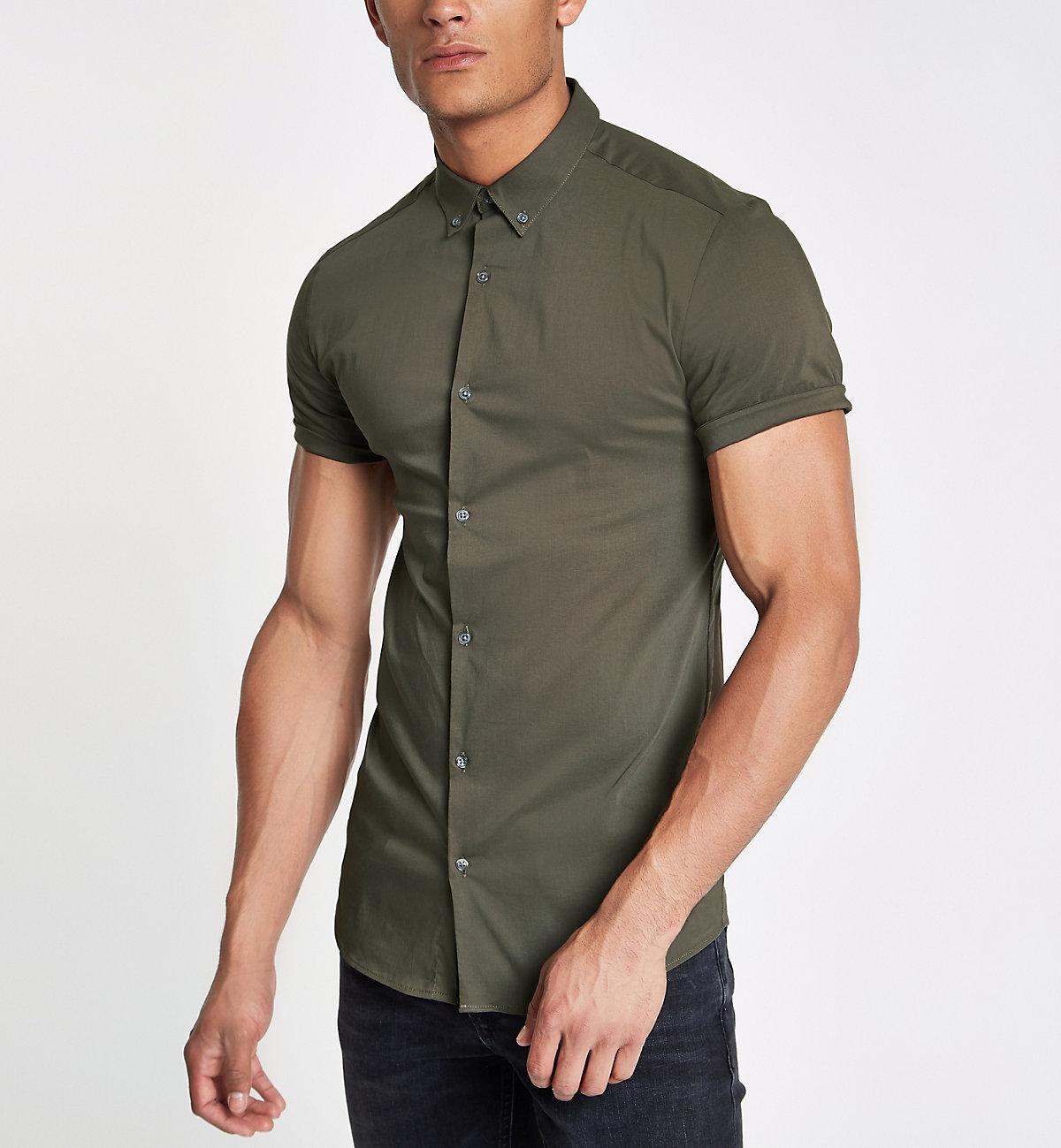 Green poplin muscle fit short sleeve shirt
