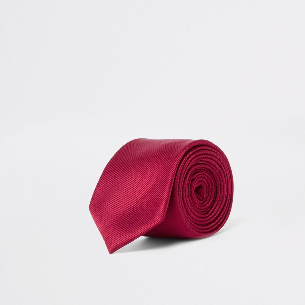 Red twill textured tie