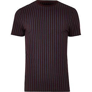 Dunkelrotes Muscle Fit T-Shirt mit Streifen