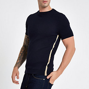 Marineblauw aansluitend gebreid T-shirt met kabelmotief