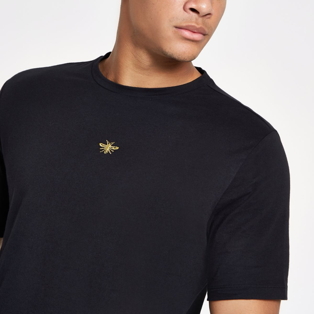 Black slim fit wasp embroidery T-shirt